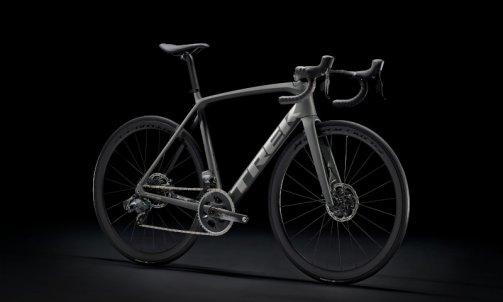 NOUVEAU TREK EMONDA ,Le vélo de montagne avec une touche d'Aero  modèle SLR 7 E TAP DISC  Carbon prix : 8099 €  7KG330