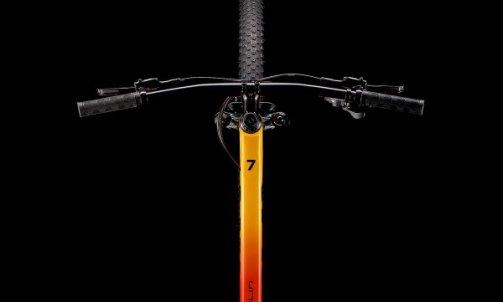 Avec le Marlin 7 2022, on entre dans la catégorie des VTT taillés pour la compétition. La fourche RockShox légère et fluide et les composants de qualité supérieure font de ce modèle le choix idéal pour les débutants à la recherche d'un semi-rigide de cross-country rapide qui n'aura pas à rougir face aux vélos de compétition de niveau supérieur. TARIF 899 € 13 KG 470